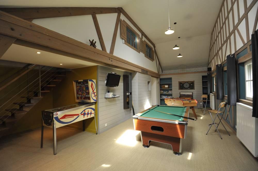 salle de jeu salle de jeu la maison amnagement et dcoration parfaits en ides fauteuil jeux. Black Bedroom Furniture Sets. Home Design Ideas